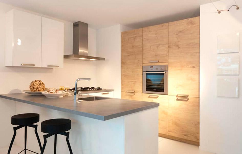 Ламинированные фасады для кухни - Высокие интерьеры